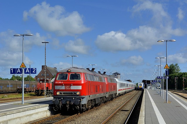 Niebüll, DB 218 389-5 + 218 345-7