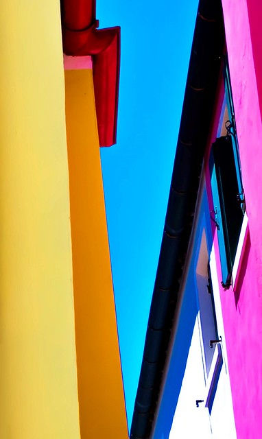 Colored geometry in Burano