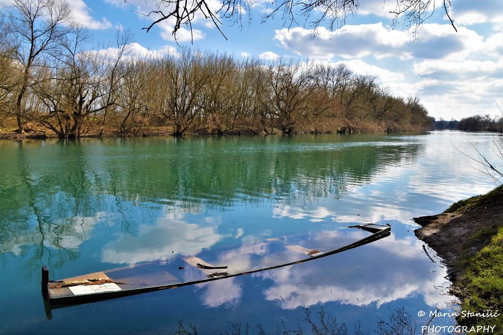 Catch the clouds in the boat... - Karlovac, Croatia