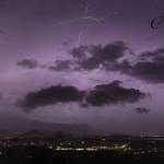 8. Jaanuar 2021 - 4:06 - Orages nocturnes sur la chaine débordant sur le littoral... Assemblage de 2 photos