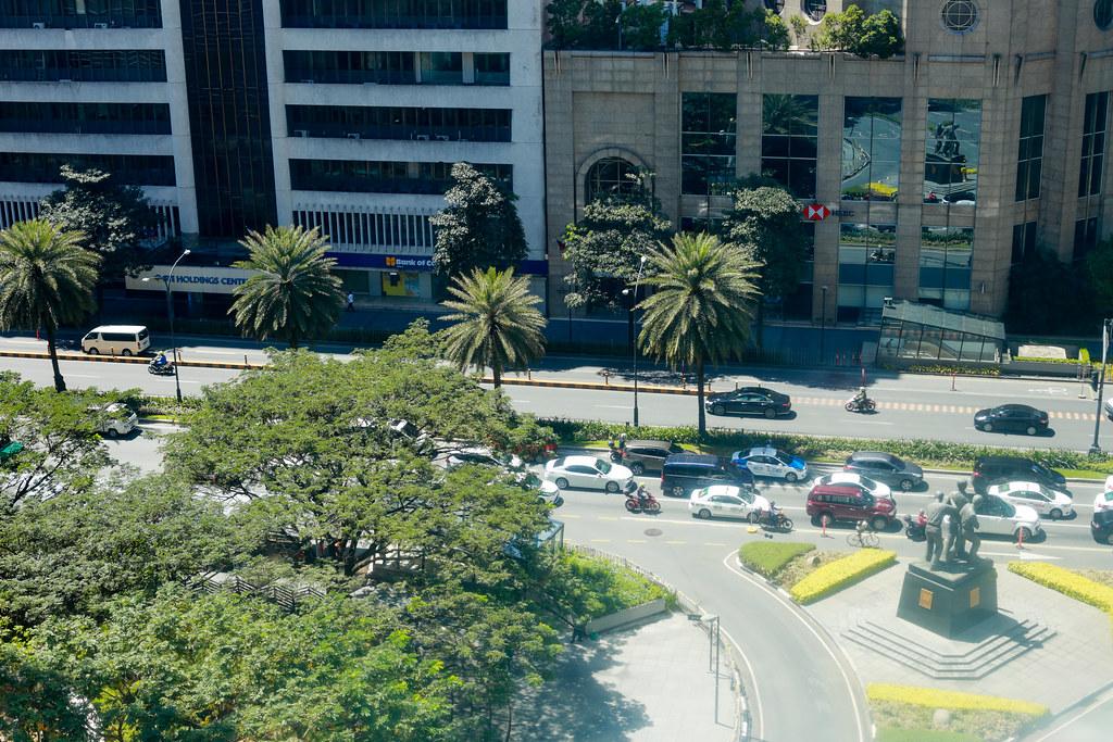 Ayala Ave. cor. Paseo de Roxas