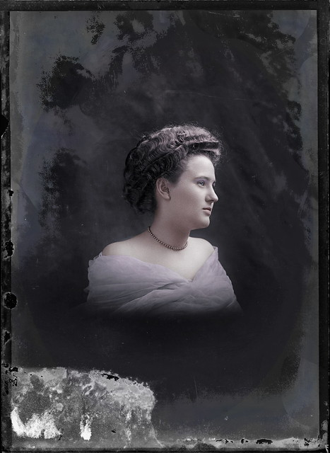 Miss Rives between 1905-1909