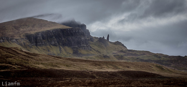 Misty morning with the old man of Storr on the horizon !