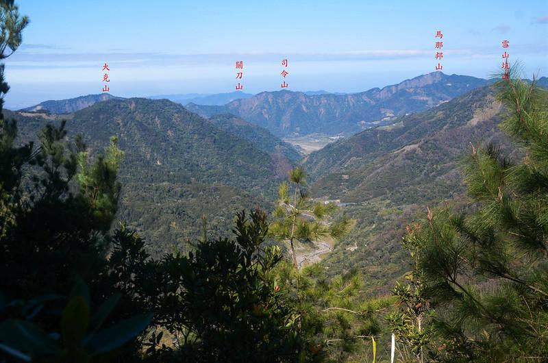 百川山西稜(H 1490 m)西望馬克連稜 1-1