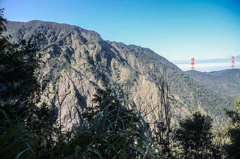 百川山西稜(H 1420 m)西望遠藤山 (1)-1