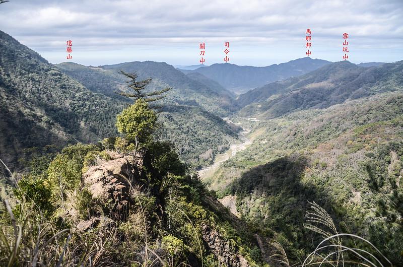 百川山西稜(H 1420 m)西望馬克連稜 (1)-1