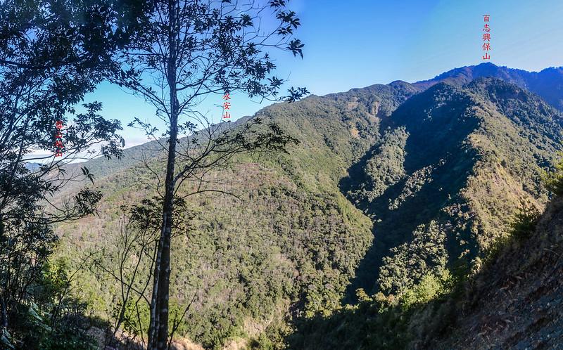 百川山西稜(H 1322 m)西北望群山 1-1