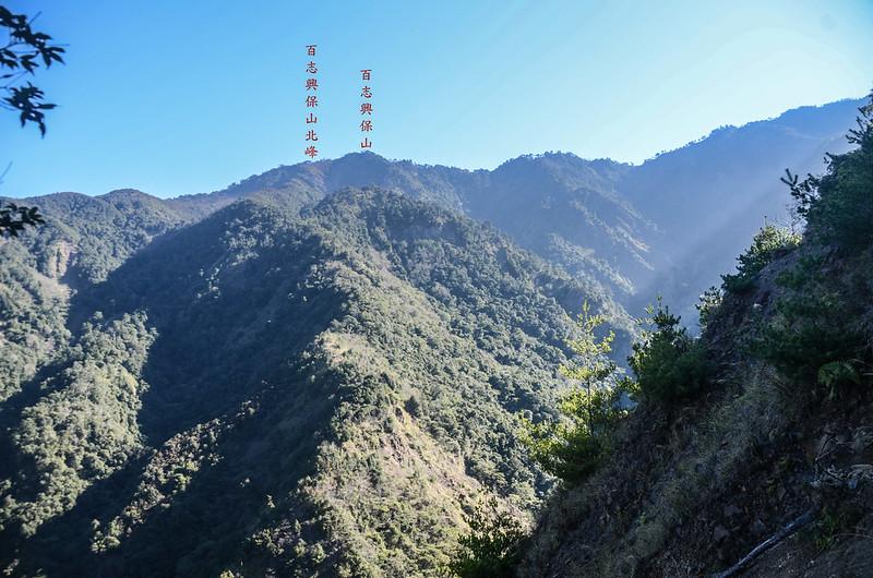 百川山西稜(H 1322 m)北望百志興保山 1-1