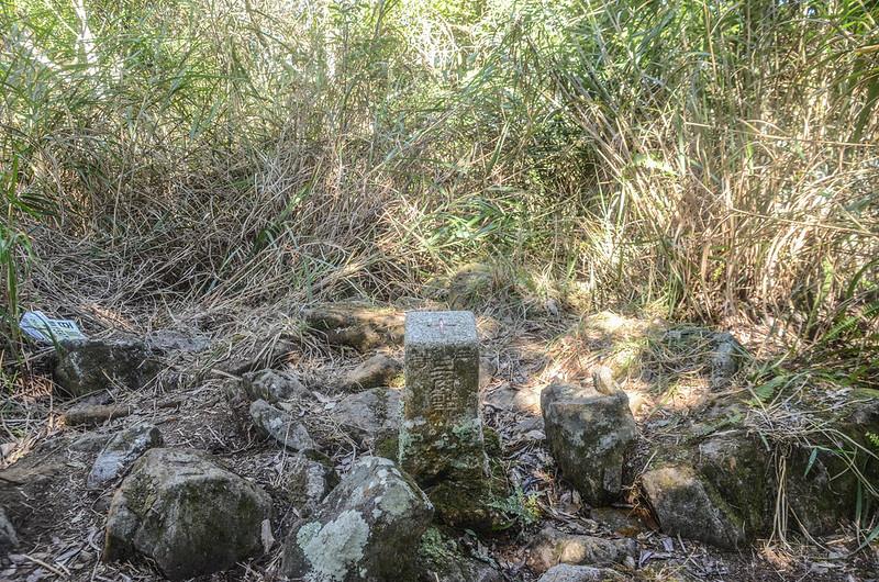 百川山三等三角點(# 6592 Elev. 1597 m) (1)