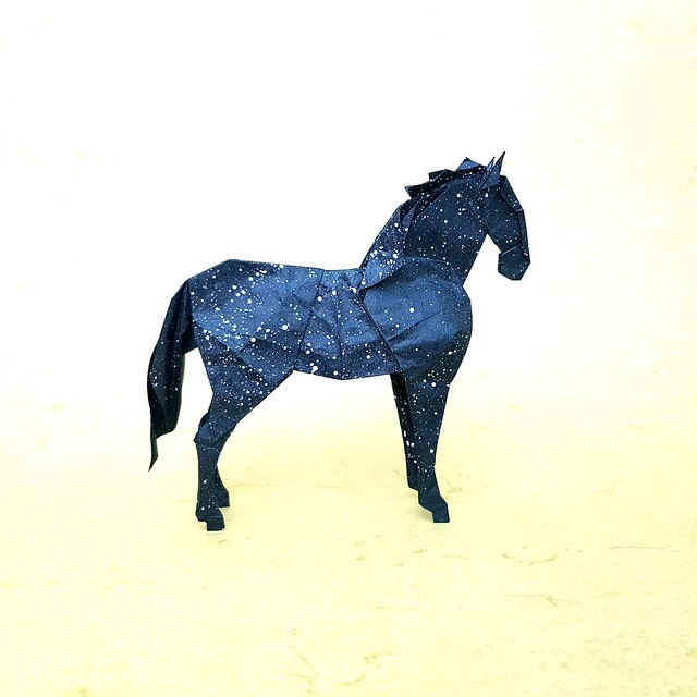 Re upload Horse  Design: Jeong Jae Il  Fold: Aarón Ramírez  Paper: 47x47 cm double tissue   What is