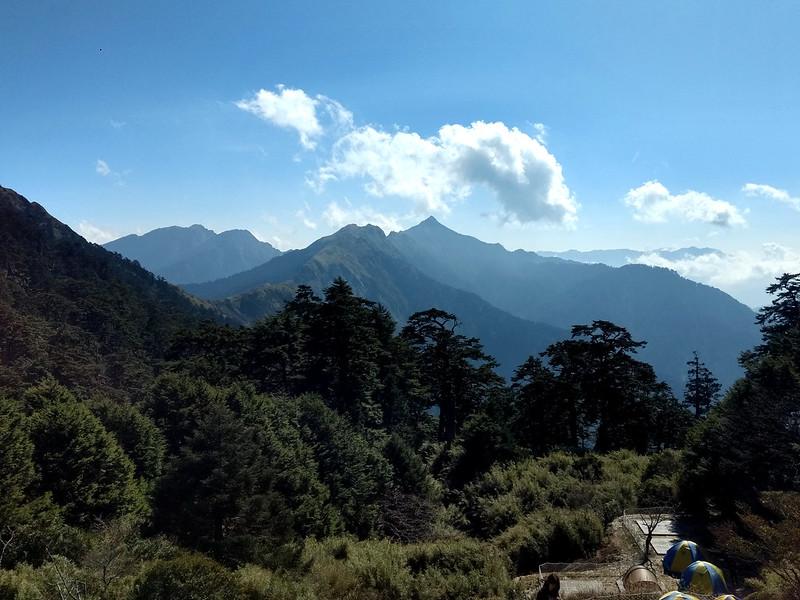qilai-nanhua-03-Tianchi-Lodge-campsite-2019: Mt Nenggao