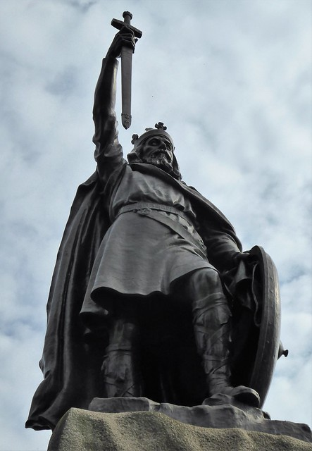 King Aelred by Hamo Thornycroft, Winchester