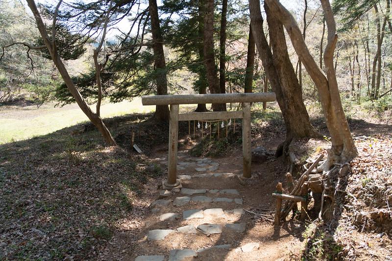 多峯主山の御嶽八幡神社 百段階段