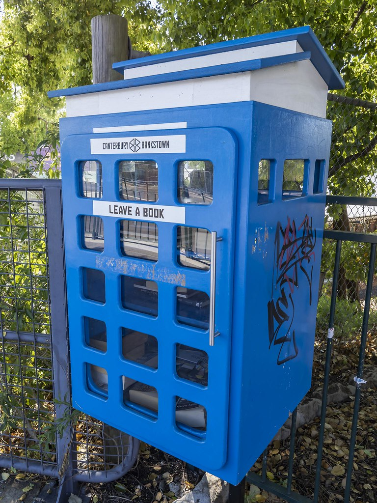 Street Library - Belmore (Sydney) - looks a bit like a Tardis from Doctor Who
