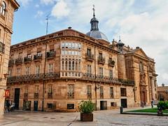 Plaza Anaya con Rúa Mayor.