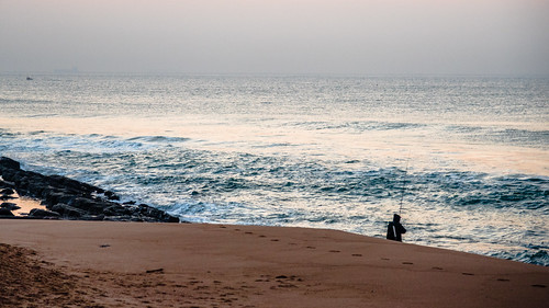 outdoor southafrica africa beach dawn durban fisherman footprints indianocean kwazulunatal ocean sea sunrise umhlanga 南非 印度洋 夸祖鲁纳塔尔 德班 日山 海 海洋 海滩 渔民 脚印 非洲