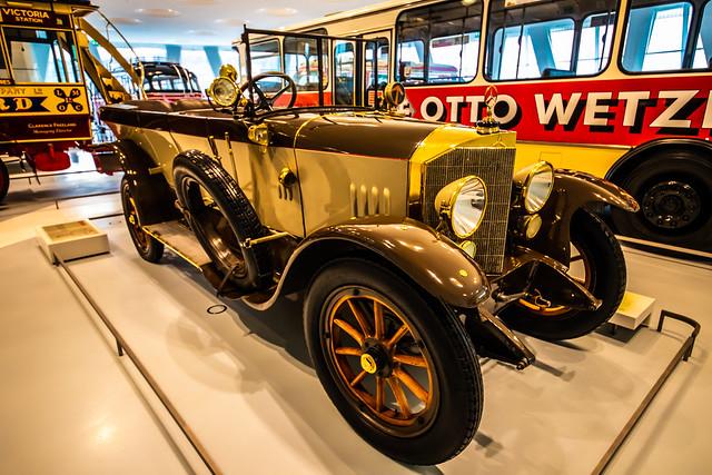 Mercedes-Museum Stuttgart-045