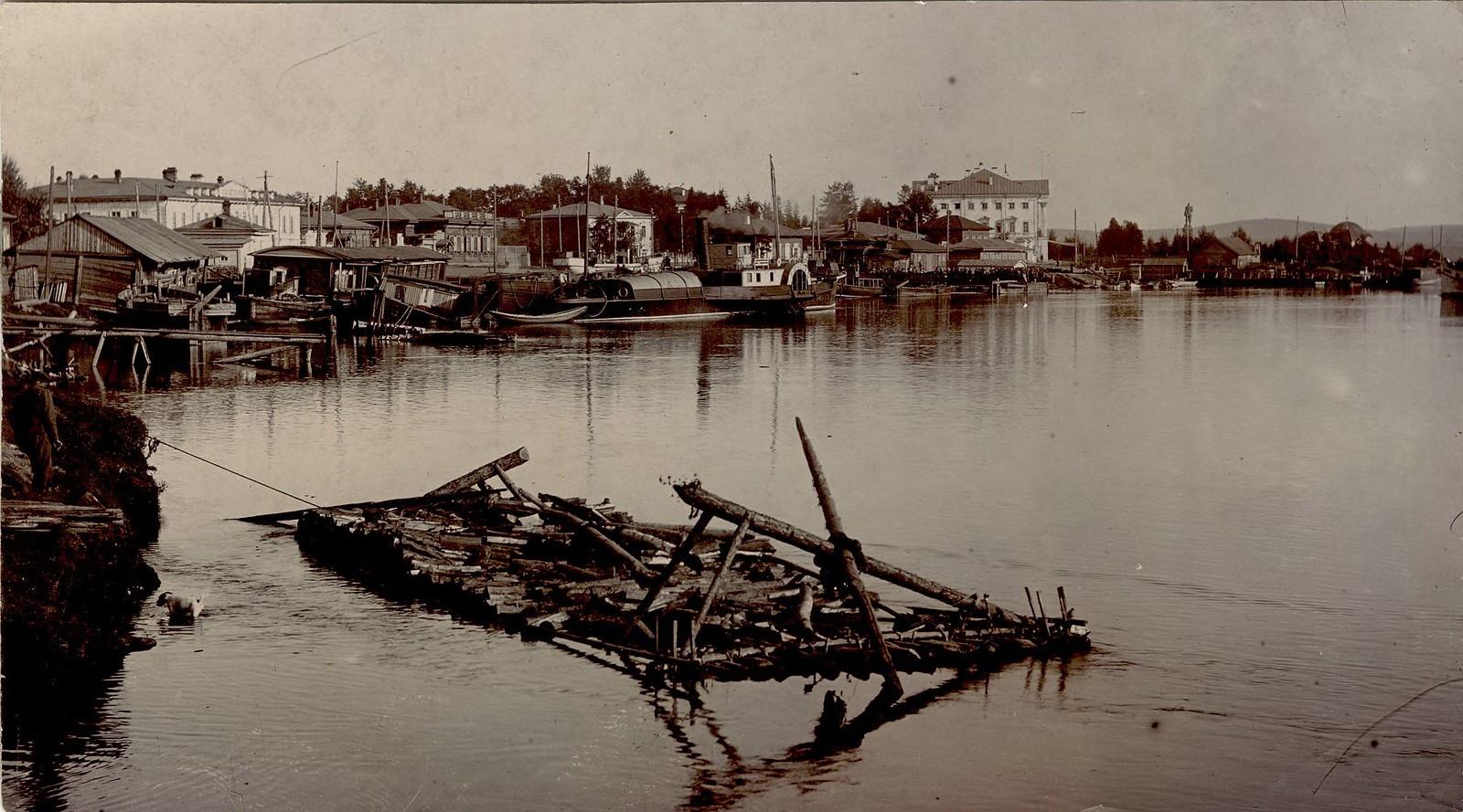 01. Набережная реки Ангары. 1910.