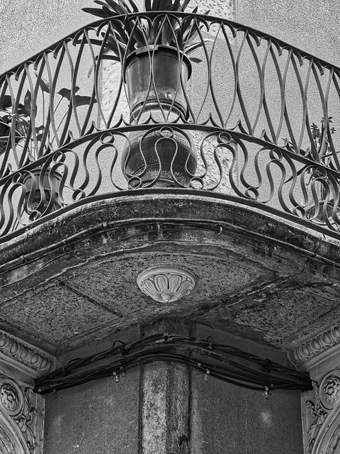 Girona - Detall Balco a la Cort Reial