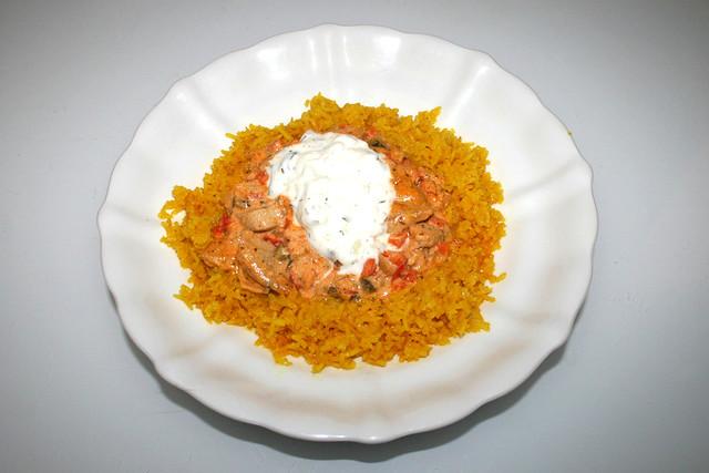 Gyros in sour cream sauce - Leftovers III / Gyrosgeschnetzeltes in Schmandsauce - Resteverbrauch III