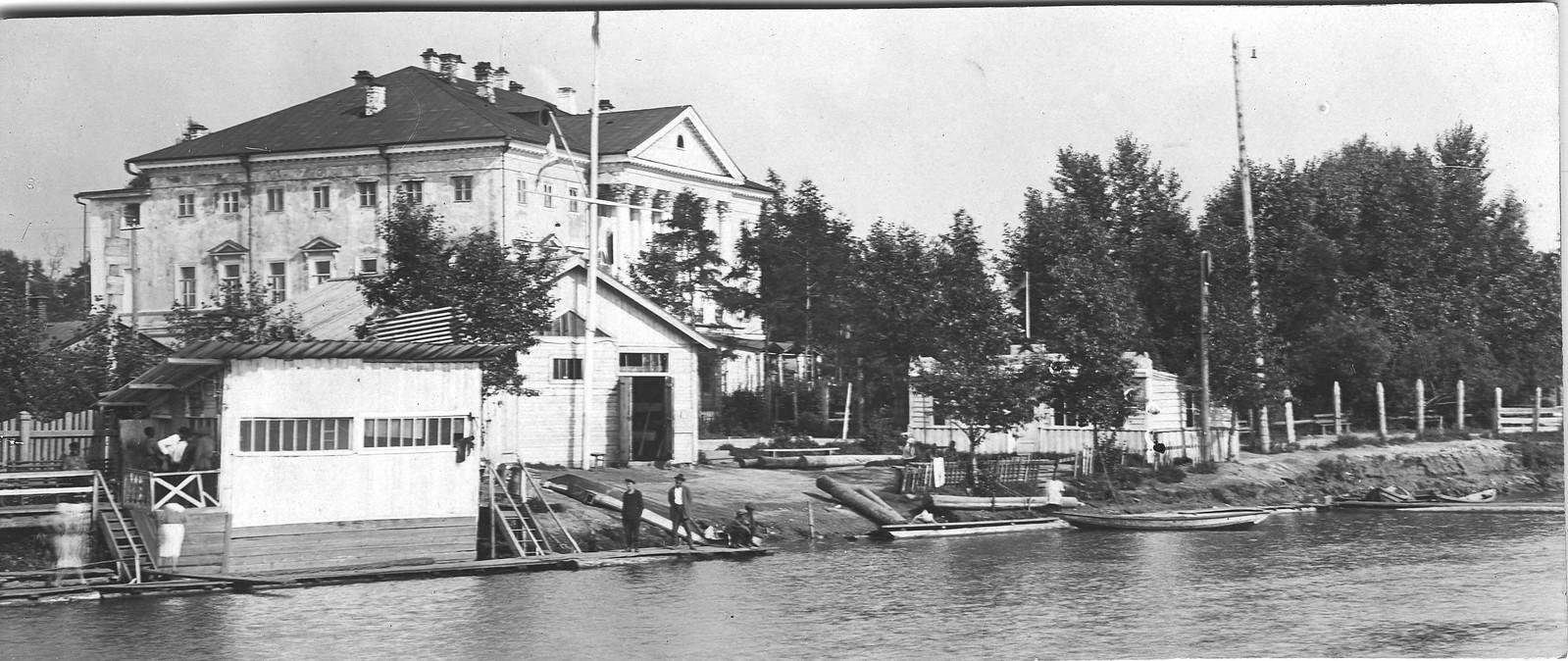 02. Набережная реки Ангары. 1910