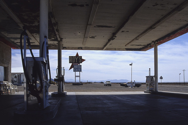 please pull to forward pump / route 66. amboy, ca. 1999.