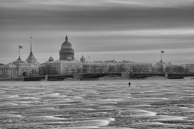 Alone among the ice of the Neva