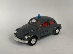 Tomica Dandy Japan - Number F21 - Volkswagen 1200 LE - GNR Brigada Transito - Portuguese Police Car - Miniature Diecast Metal Scale Model Emergency Services Vehicle