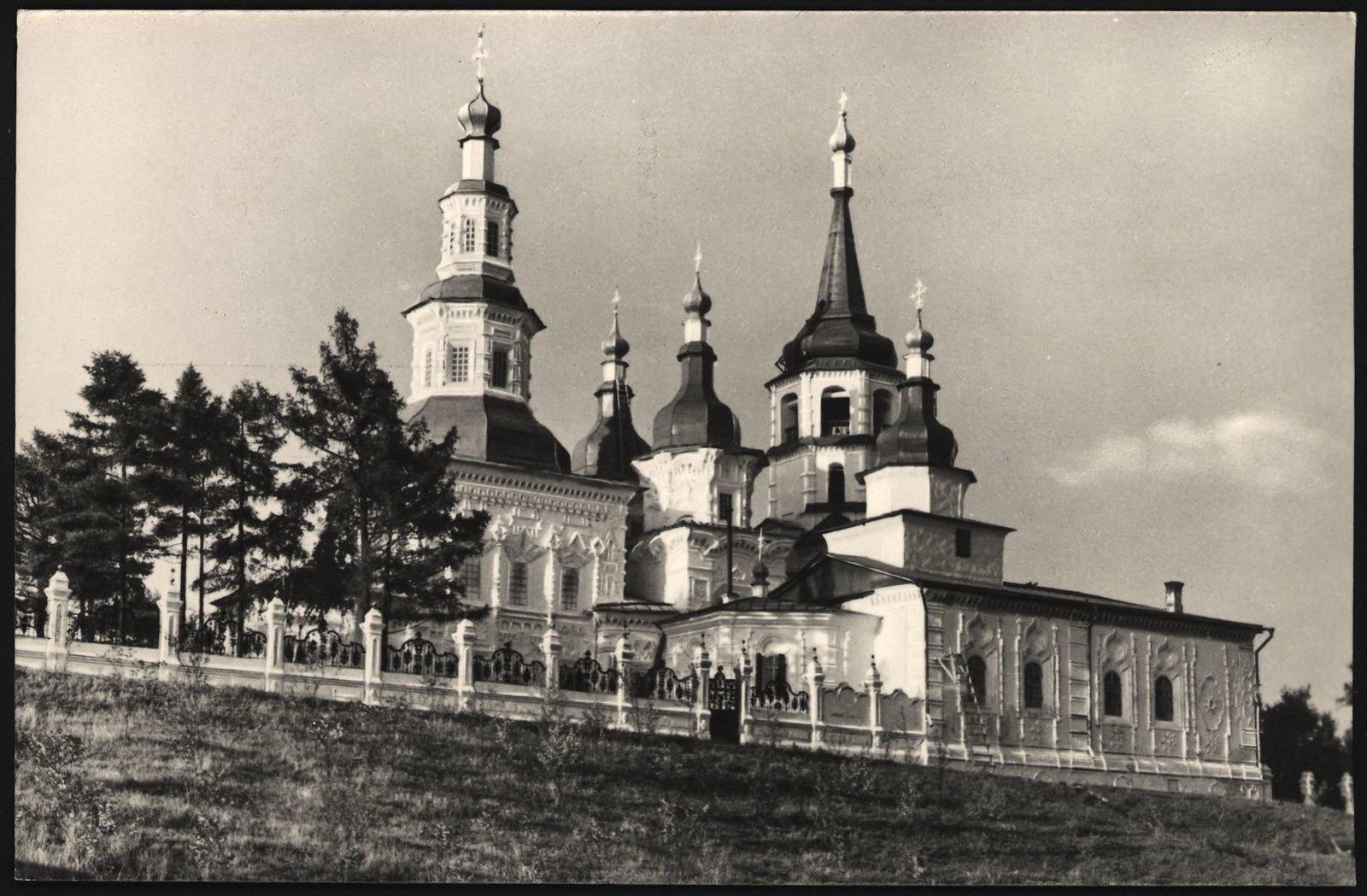 1968. Памятник архитектуры XVIII века Крествоздвиженская церковь.