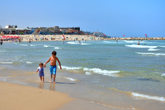 Tel Aviv / The beach / A good big brother
