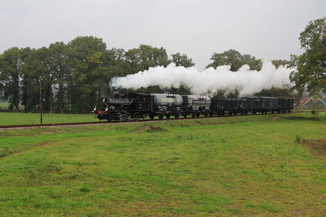 2020-10-18; 0097. MBS 7853 'Navizence' met trein 4G. Zoutindustrieweg, Boekelo, Haaksbergen. MBS Najaarsstoomdag.