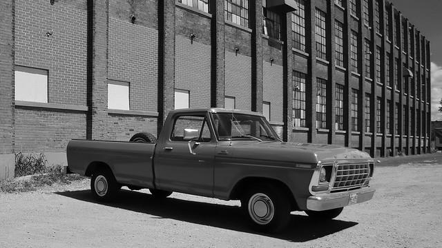 1978 Ford F100 Custom pickup truck - Woodstock, Oxford County, Ontario.