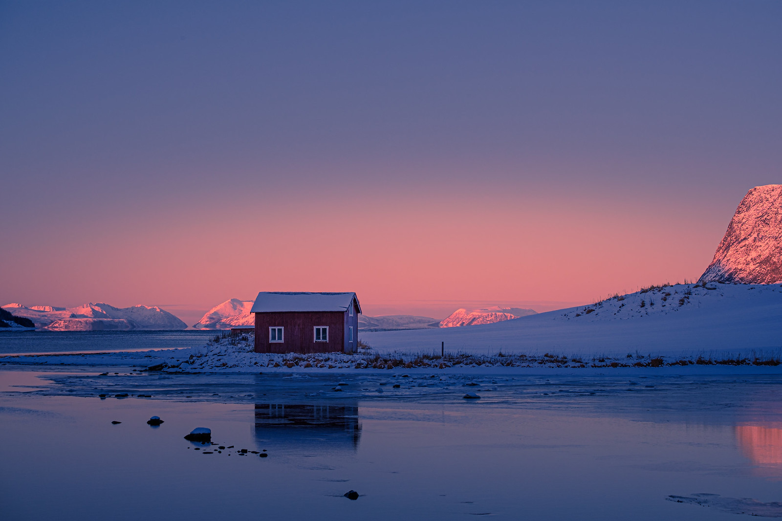 The small house in Kasfjord.