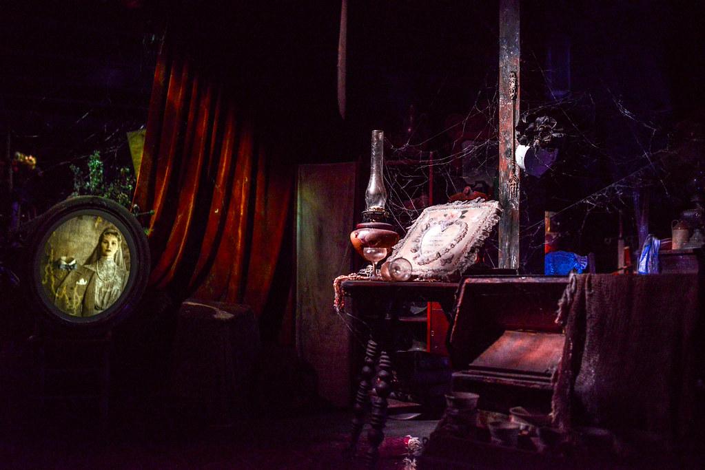 Haunted Mansion creepy MK