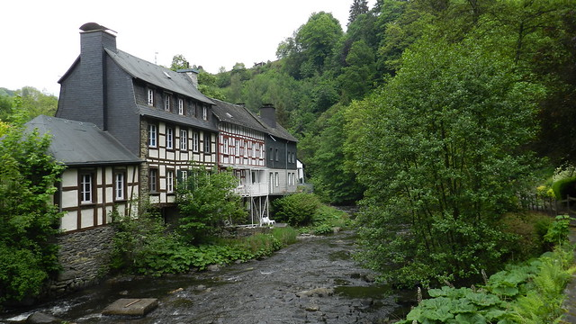 2014-05-26 River in Monschau