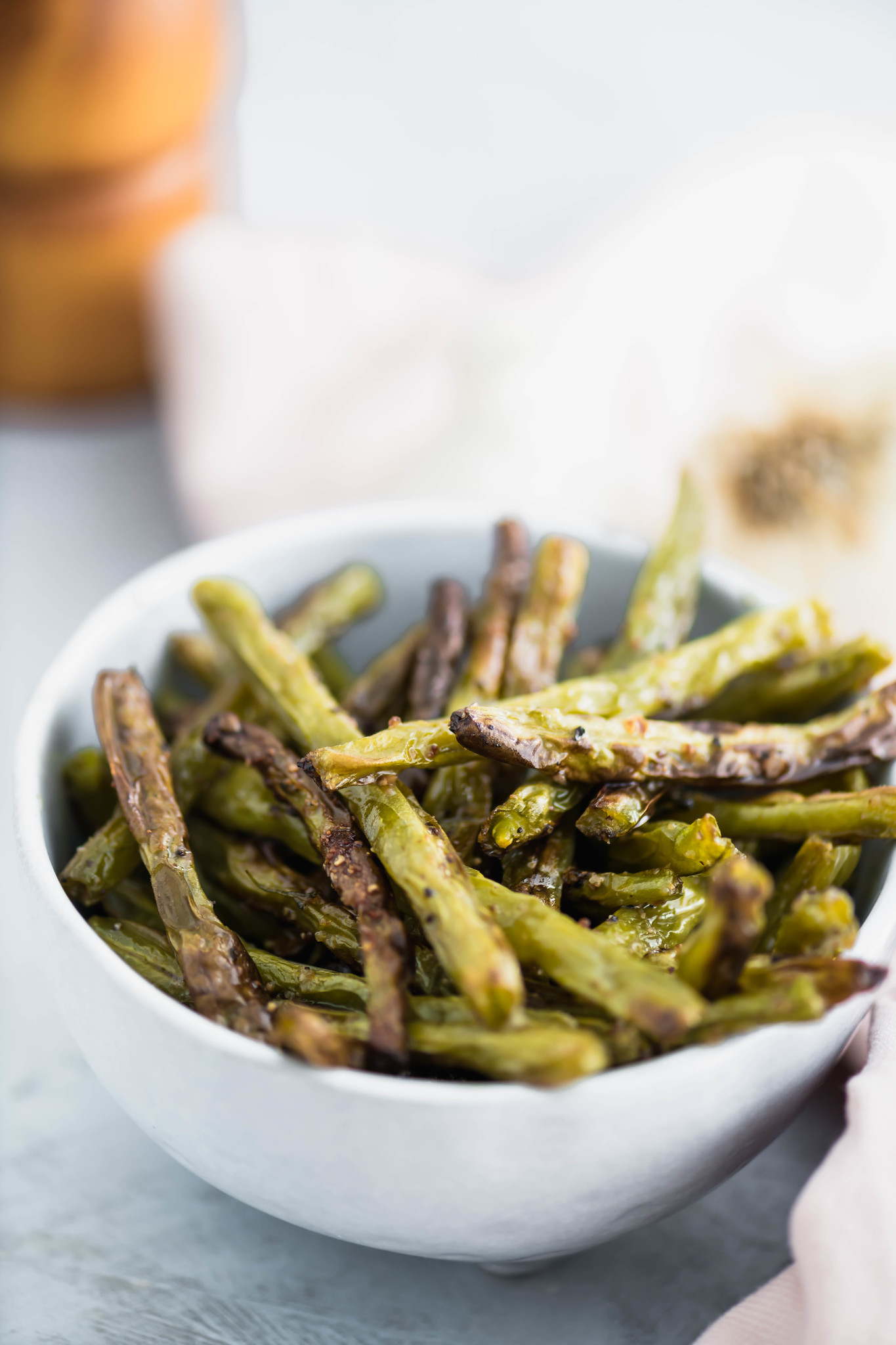 Need an easy side dish that takes less than 30 minutes? These Roasted Green Beans are super simple to make and go with everything.