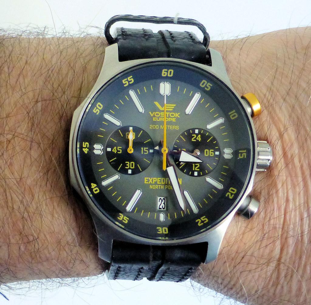 VE chrono wrist