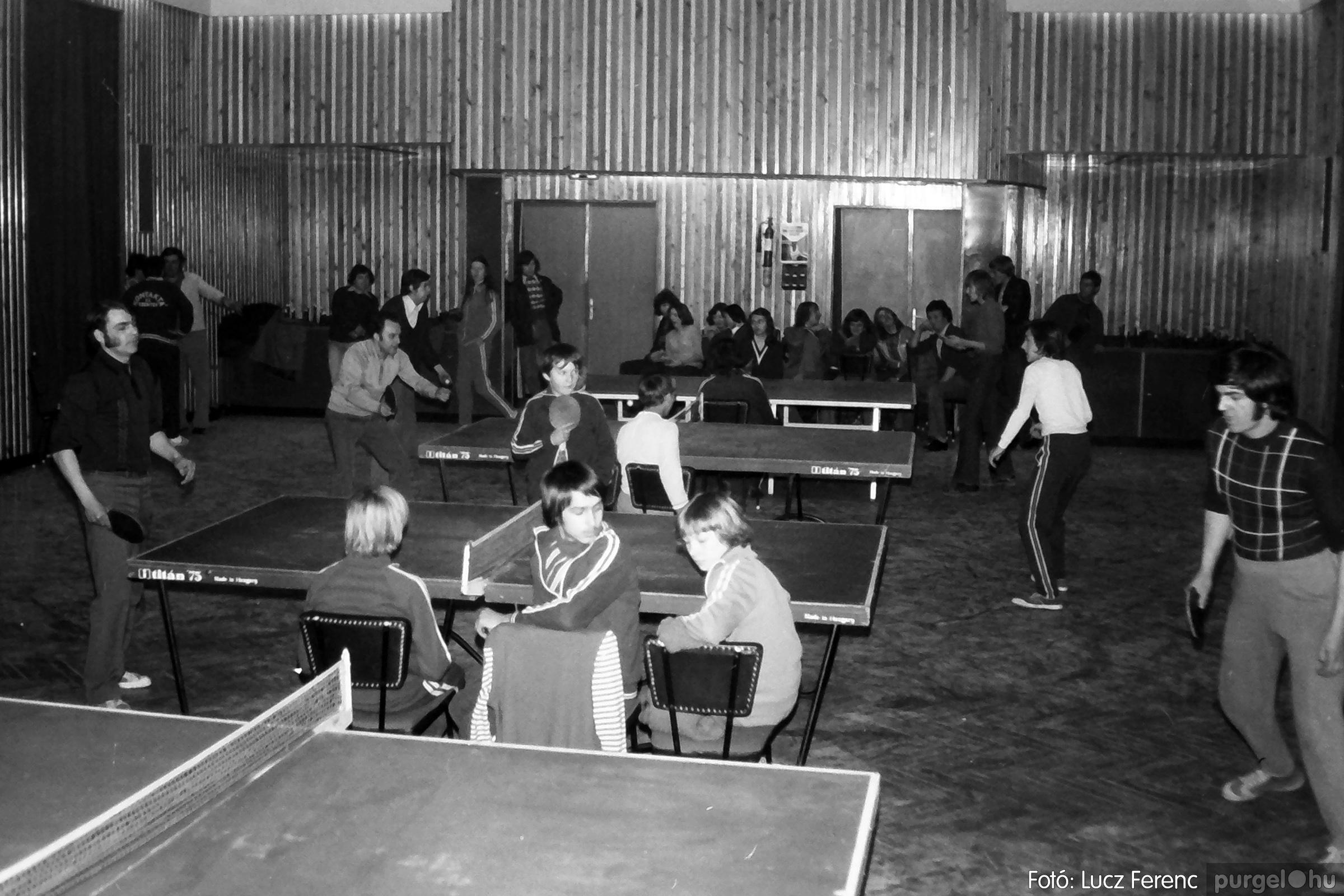 073. 1977. Asztaltenisz verseny 008. - Fotó: Lucz Ferenc.jpg