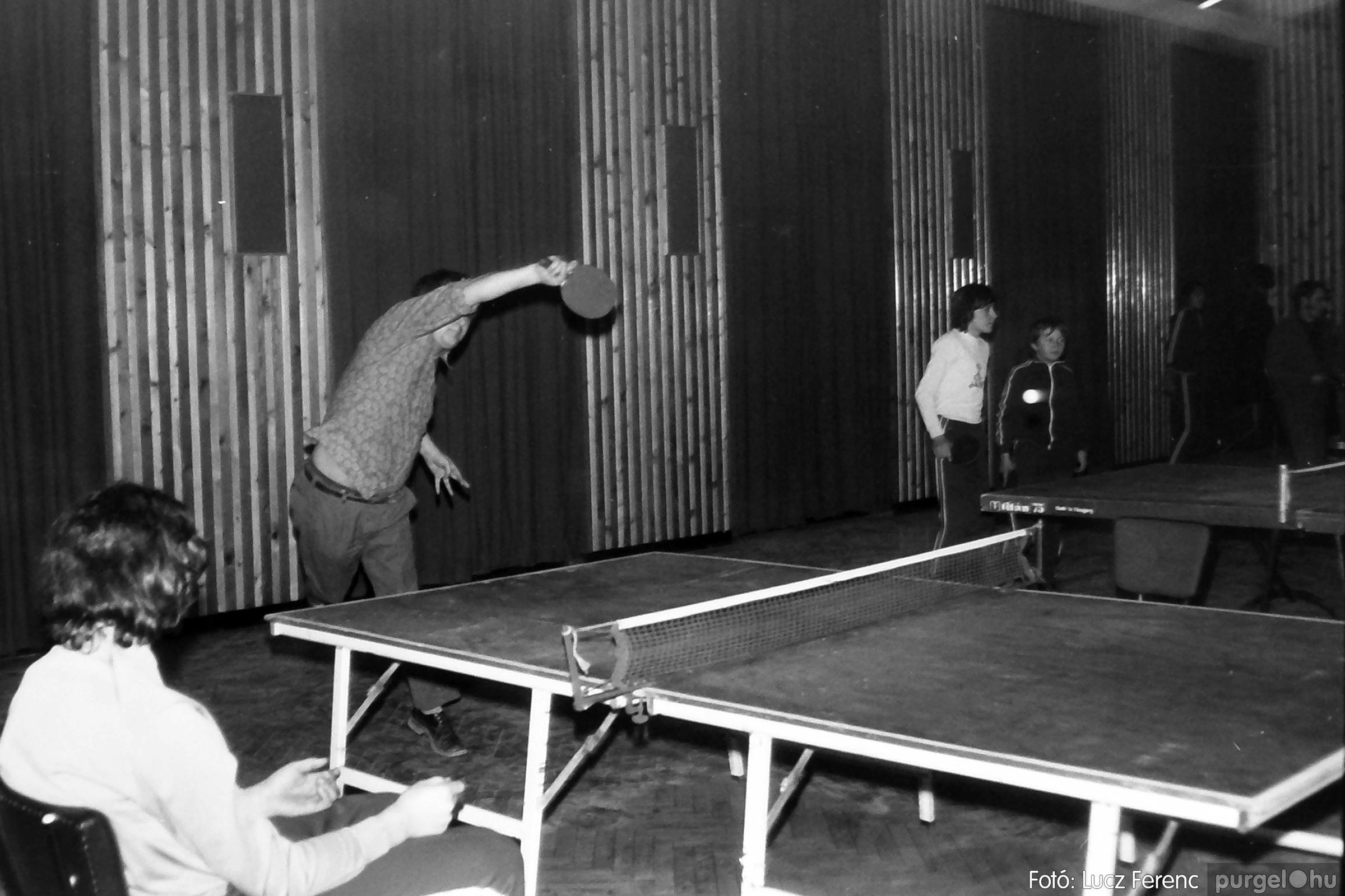 073. 1977. Asztaltenisz verseny 005. - Fotó: Lucz Ferenc.jpg