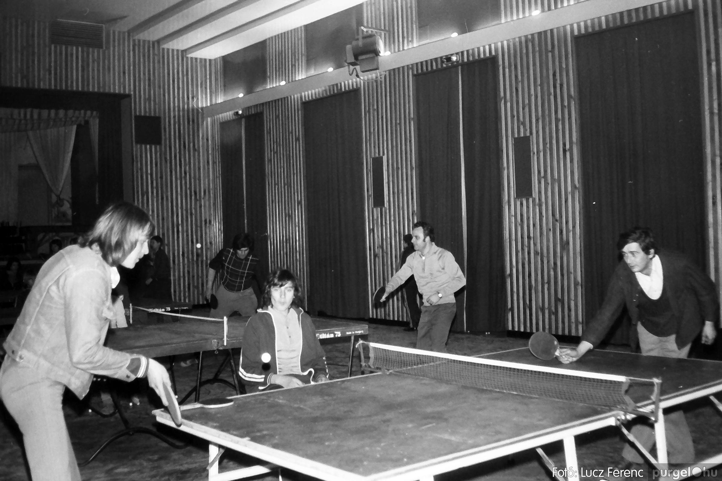 073. 1977. Asztaltenisz verseny 006. - Fotó: Lucz Ferenc.jpg