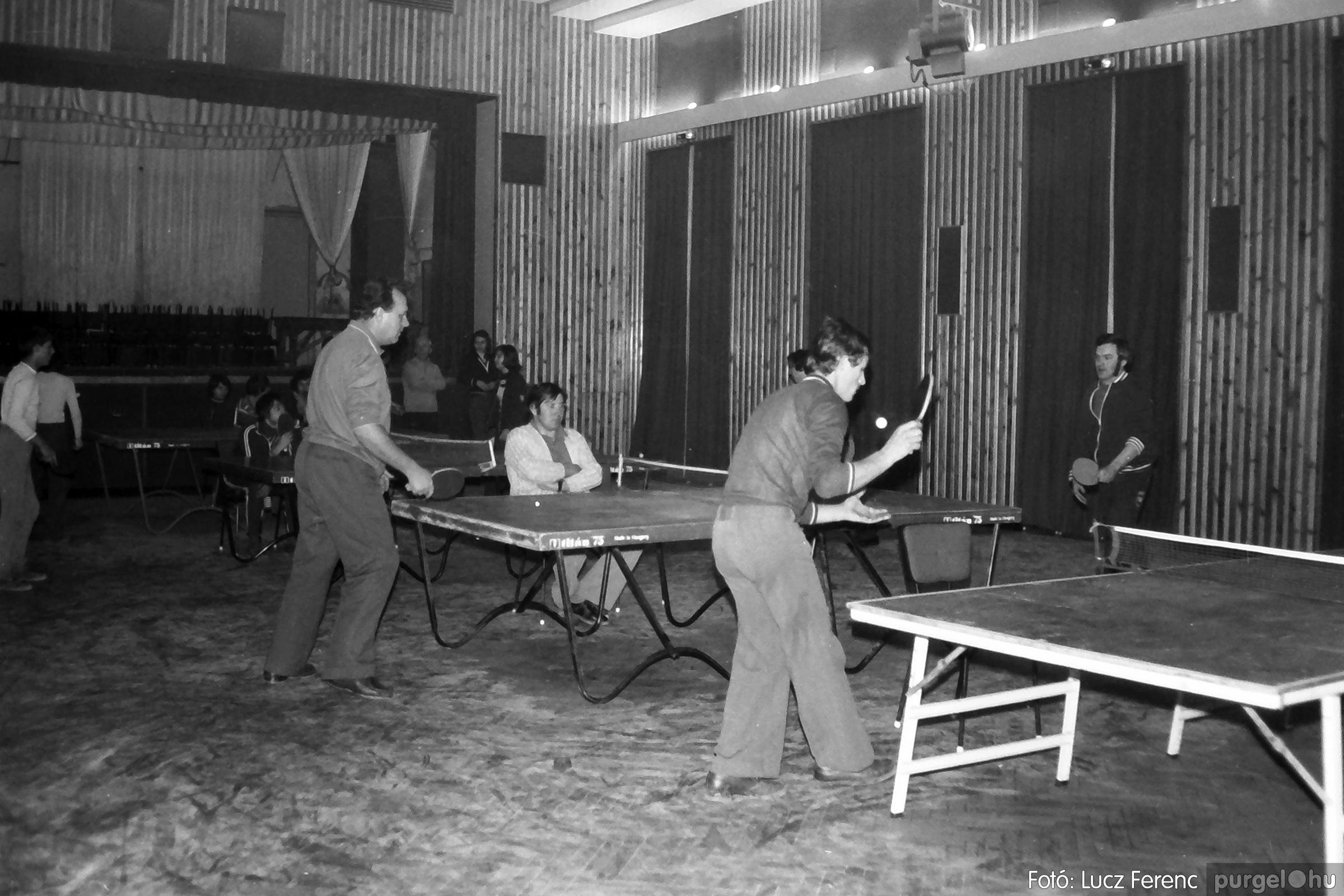 073. 1977. Asztaltenisz verseny 003. - Fotó: Lucz Ferenc.jpg