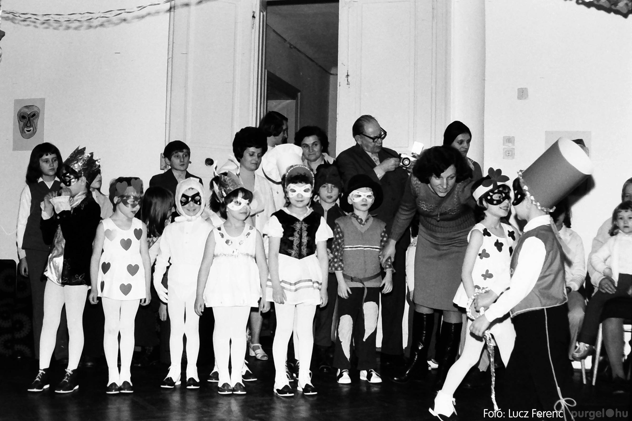 074. 1977. Farsang a gyermekotthonban 006. - Fotó: Lucz Ferenc.jpg