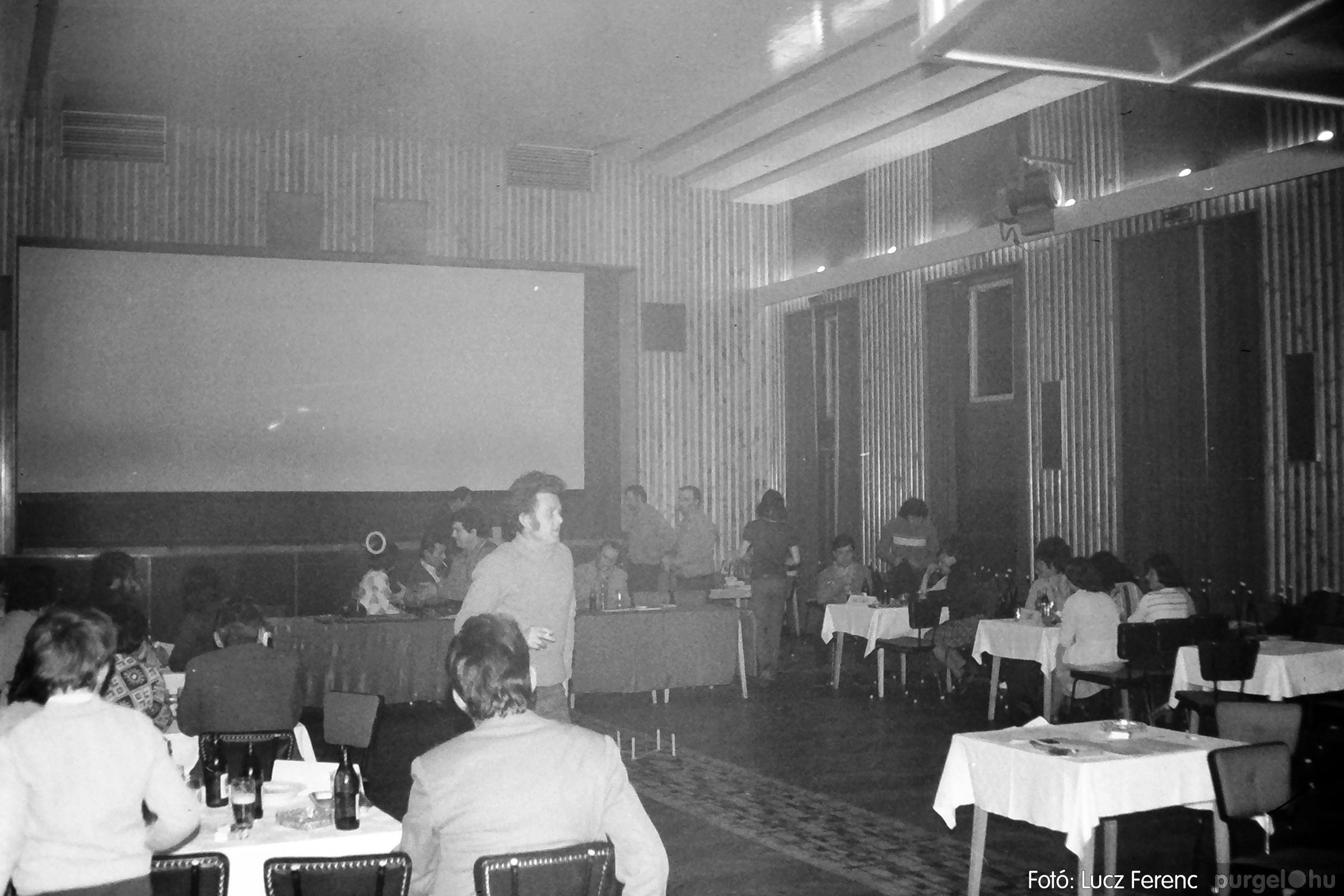 074. 1977. KTSZ-es dolgozók vetélkedője 011. - Fotó: Lucz Ferenc.jpg