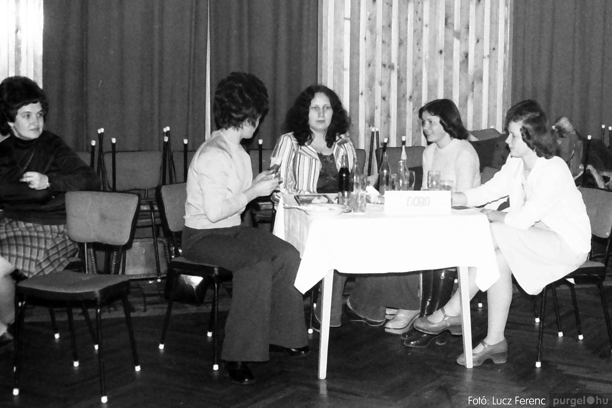 074. 1977. KTSZ-es dolgozók vetélkedője 002. - Fotó: Lucz Ferenc.jpg