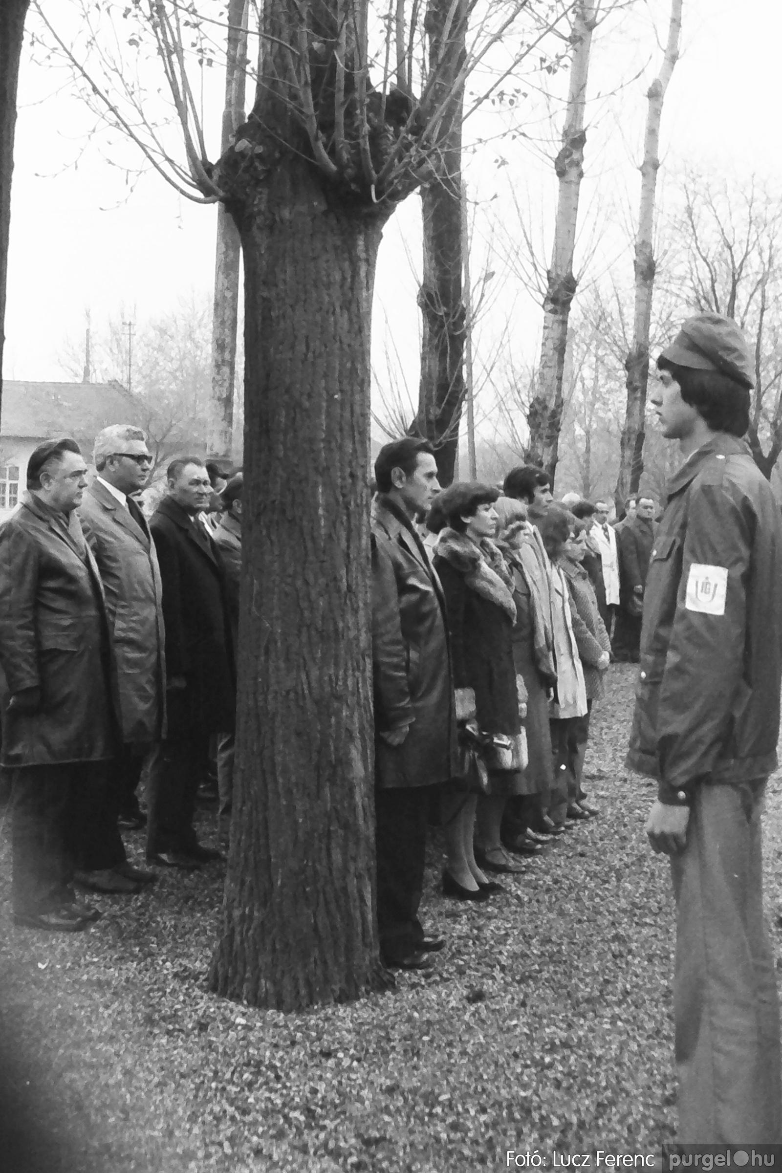 078. 1977.04.04. Április 4-i ünnepség 018. - Fotó: Lucz Ferenc.jpg