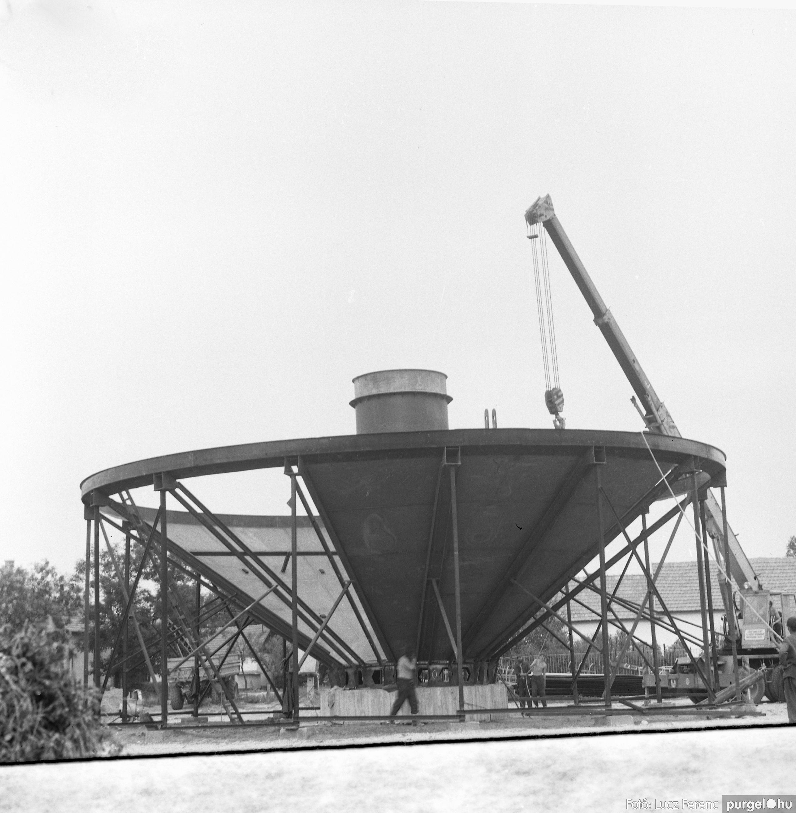 078. 1978. Épül a víztorony 007. - Fotó: Lucz Ferenc.jpg