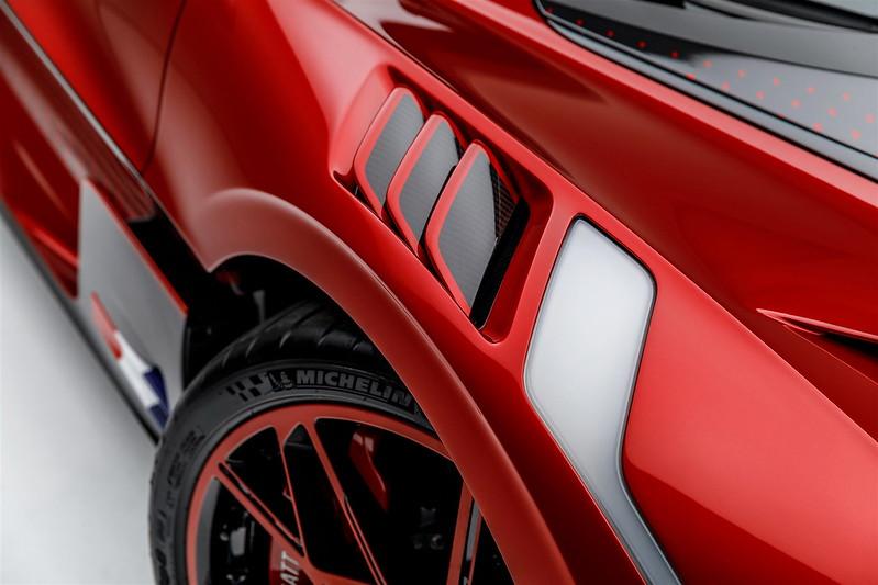bugatti-divo-lady-bug-72