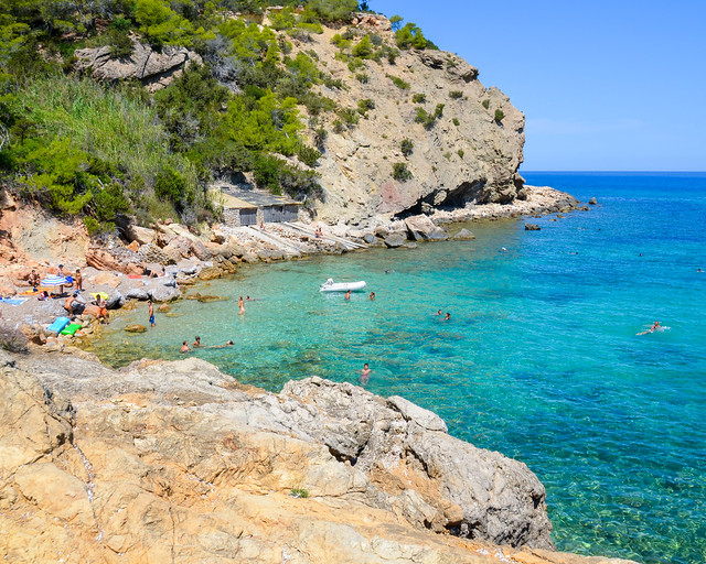 Cala Xarraca, el mejor lugar para hacer snorkel en Ibiza