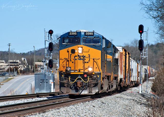 CSX Q582-22 at Chattanooga, TN