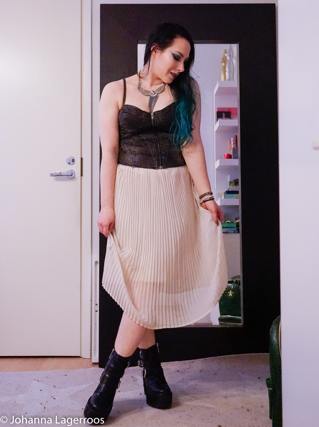 corset top outfit